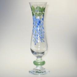 Slank glasvase med håndmalet dekoration Blåregn