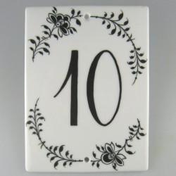Firkantet husnummer skilt i porcelæn med håndmalet dekoration Nostalgi