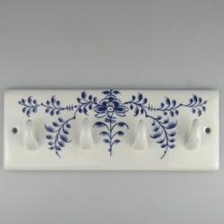 Håndmalet knagerække med fire knager i porcelæn med Nostalgi-motiv