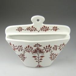 Kaffefilterholder i håndmalet porcelæn med dekoration Bordeauxrød Nostalgi