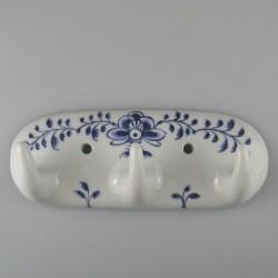 Håndmalet knagerække med tre knager i porcelæn - dekoration Nostalgi