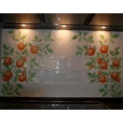 Appelsin-væg bag komfur