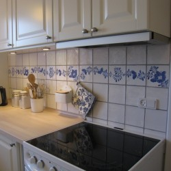 Køkkenvæg med Sommerfugle-frise