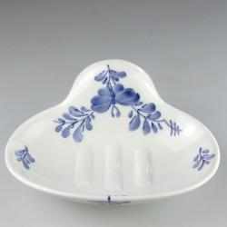 Væghængt sæbeskål i porcelæn med håndmalet Sommerfugle-motiv