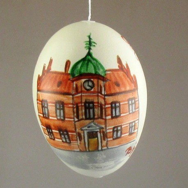 Møn-ægget 2018 - gåseæg med det gamle rådhus i Stege