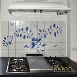 Nostalgi - Frise med Nostalgi-mønster og insekter 9x5 fliser - smukt bag komfuret eller køkkenvasken