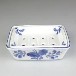 Sæbeskål i porcelæn med rist og håndmalet Sommerfuglemotiv