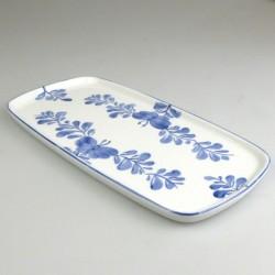 23 x 11,5 cm - Lille sushi fad / tallerken i håndmalet porcelæn med blåt Sommerfugle-motiv