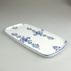 23 x 11,5 cm - Lille sushi fad / tallerken i håndmalet porcelæn med blåt Nostalgi-mønster