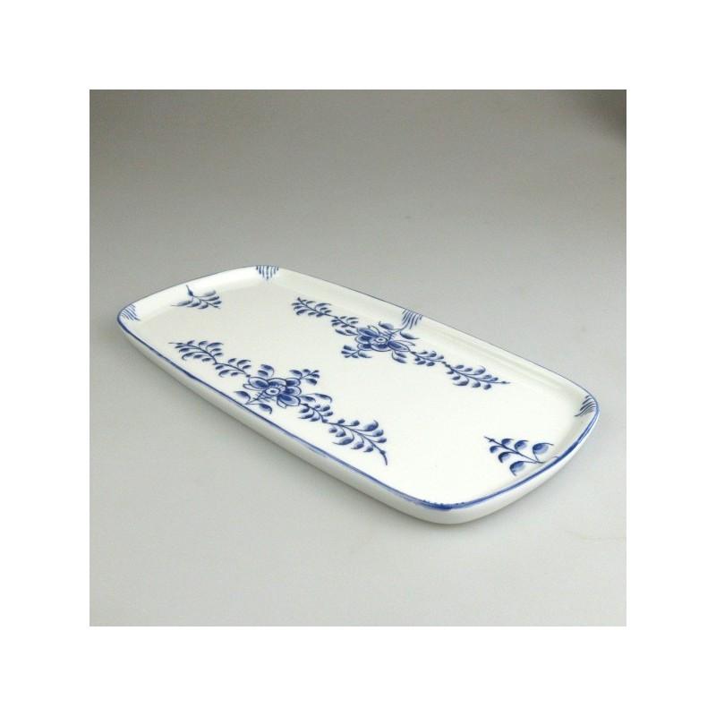 23 x 11,5 cm - Lille serveringsfad / tapas fad i håndmalet porcelæn med blåt Nostalgi-mønster