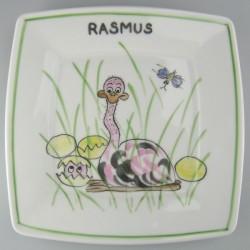 Firkantet flad børnetallerken med navn og motiv Struds og æg der klækker