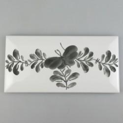 Metroflise - 15 x 7,5 cm - med håndmalet dekoration i Sommerfugle-mønster