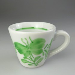 Håndmalet espresso kop med grøn dekoration i Sommerfugl-mønster (model EA)
