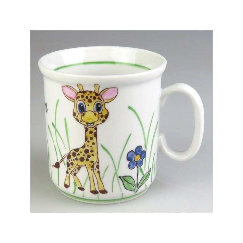 Børnekrus i porcelæn med håndmalet dekoration lille giraf (model A)