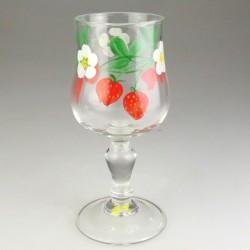Jordbær dekoration på lyreformet hvidvinsglas