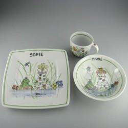 Børnestel / dåbsgave i håndmalet porcelæn med navn og motiv Prinsessen og Frøen