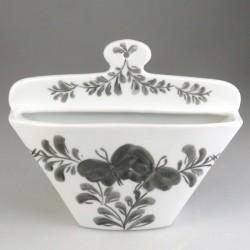 Kaffefilterholder i håndmalet porcelæn med Sommerfugle-dekoration