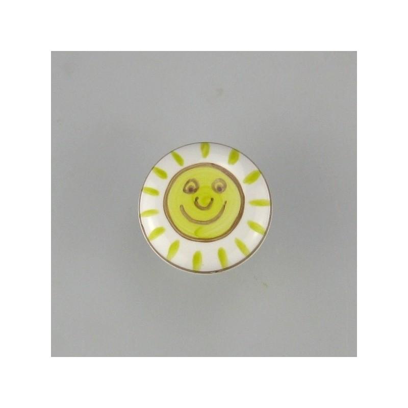 Knop af porcelæn med sol som motiv til børneværelset