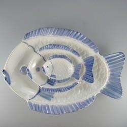 Sæt med 3 fisketallerkener / serveringsfade i håndmalet porcelæn.