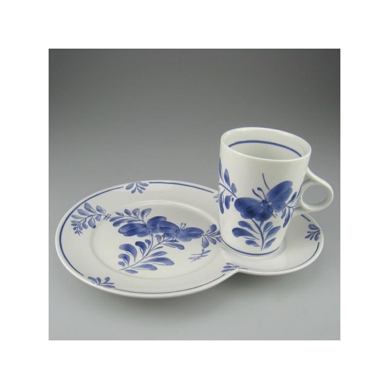 TV-sæt bestående af kop og tallerken i porcelæn med håndmalet dekoration Blå Sommerfugl