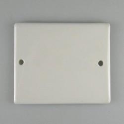 Firkantet nummerskilt på 9 x 7,5 cm i håndmalet porcelæn med navn eller tal